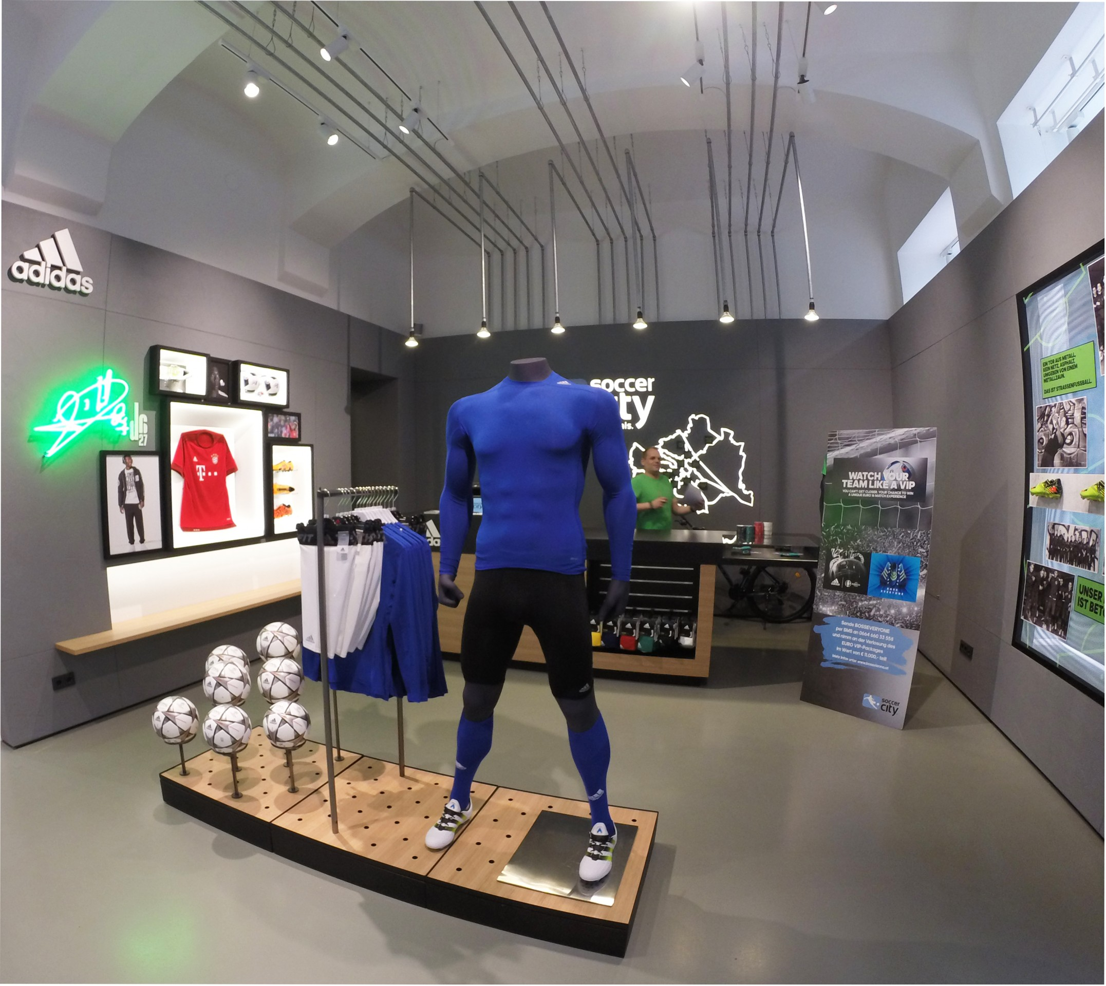 Projekt Kraft: Ladenbau für Soccer City Wien